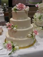 The Ivory and pink roses cake